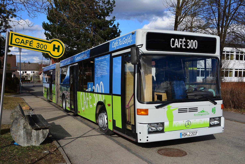 der bus caf 300 ein ungew hnlicher werbetr ger f r die zeltkirche zeltkirche auf der. Black Bedroom Furniture Sets. Home Design Ideas